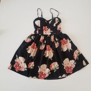 Band Of gypsies floral dress with pockets size S